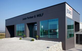 G. WOLF I Fenster, Türen, Sonnenschutz und Naturholzböden
