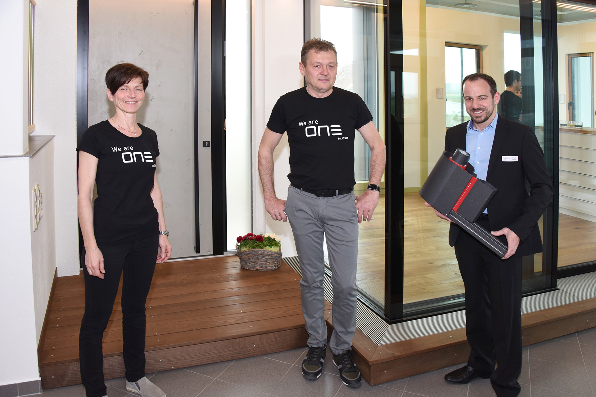 Hausmesse im Schauraum G.WOLF in Drasenhofen, v.l.n.r.: Roswitha Wolf, Gerhard Wolf, Ing. Holger Amon
